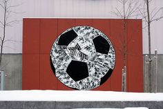 Polish muralist, Mariusz Waraz aka M-City, recently endured the harsh winter weather and painted a large soccer ball in Oslo, Norway. The artist added his own architectural elements and details to the white space of the ball. Soccer Art, Football Art, Graffiti, Urban Painting, Best Street Art, Painting Studio, Architectural Elements, Woodland Animals, Oslo