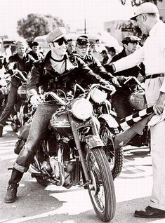 "Marlon Brando ""The Wild one"" 1953. jj"