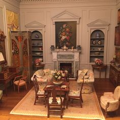 This dollhouse is an exact replica of a real house, right down to the silverware. This dollhouse is an exact replica of a real house, right down to the silverware. Victorian Dollhouse Furniture, Victorian Dolls, Modern Dollhouse, Dollhouse Design, Miniature Rooms, Miniature Houses, Miniature Furniture, Barbie Furniture, Barbie House
