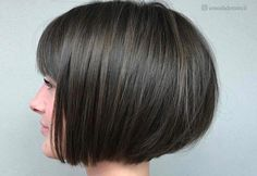 46 Cute Bob Haircuts with Bangs to Copy in 2020 Look fabulous & chic with any one of these bob hairstyles with bangs! Get ready to turn heads with these truly fantastic looks. Cute Bob Haircuts, Inverted Bob Haircuts, Stacked Bob Hairstyles, Bob Haircut With Bangs, Medium Bob Hairstyles, Hairstyles Haircuts, Bob Bangs, Choppy Bob Hairstyles With Bangs, Side Bangs