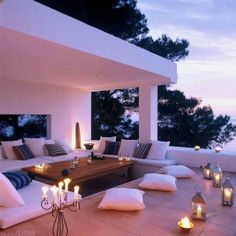 Candle-lit patio. soo pretty Outdoor Lounge, Outdoor Rooms, Outdoor Living, Garden Lighting Decoration, Home Decor Quotes, Outside Living, Home And Deco, Cheap Home Decor, Home Decor Accessories
