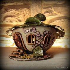 Windlicht Kugel Lantern - FLEURY - Creative ceramics for home and garden Clay Fairy House, Gnome House, Fairy Garden Houses, Clay Houses, Ceramic Houses, Ceramic Clay, Clay Projects, Clay Crafts, Pottery Houses