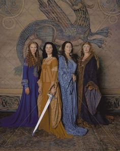 The Mists Of Avalon with Julianna Margulies as Morgaine, Anjelica Huston as Vivianne, Joan Allen as Morgause, Caroline Goodall as Igraine. Costume design: James Acheson and Carlo Poggioli Die Nebel Von Avalon, Mists Of Avalon, Fantasy Kunst, Medieval Costume, Medieval Gown, Medieval Clothing, Fantasy Costumes, Movie Costumes, King Arthur