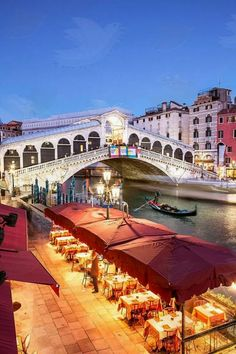 Stock photo for license and print - Italy, Veneto, Venice. Rialto bridge at dusk, high angle view - Matteo Colombo Travel Photography Places Around The World, Oh The Places You'll Go, Places To Travel, Bellagio Italy Hotels, Italy Vacation, Italy Travel, Italy Trip, Venice Travel, Venice Attractions