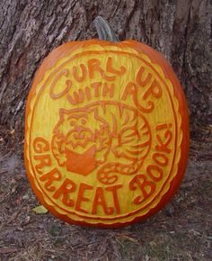 This Halloween, curl up with a grrrreat book! Pumpkin carving by It's A Tiger! author David LaRochelle. http://www.chroniclebooks.com/titles/kids-teens/by-age/early-reader-5-8-yrs/it-s-a-tiger.html #halloween #books