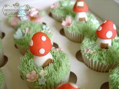 toadstool woodland cupcakes