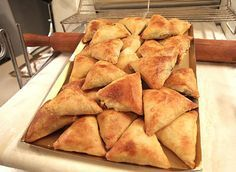 Bakery Recipes, Cooking Recipes, Cooking Fails, Cooking Blogs, Greek Pastries, Greek Appetizers, Greek Cooking, Appetisers, Sweet And Salty