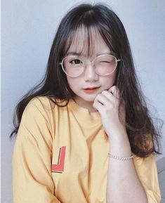 Pretty Korean Girls, Korean Beauty Girls, Cute Korean Girl, Cute Asian Girls, Beautiful Asian Girls, Cute Girls, Korean Hairstyles Women, Japonese Girl, Cold Girl