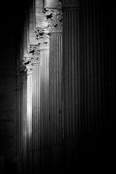A beautiful row of Corinthian columns.