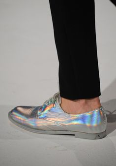 Metallic shoes | Silver | Iridescent | Rainbow | // hussein chalayan