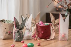 Finde deine tolle Inspiration für den Frühling! Gift Wrapping, Table Decorations, Gifts, Diy, Inspiration, Furniture, Home Decor, Make Your Own, Amazing