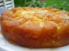 Gâteau aux pommes façon tatin Plus My Recipes, Sweet Recipes, Cooking Recipes, Delicious Desserts, Yummy Food, Yogurt Cake, French Pastries, Savoury Cake, Clean Eating Snacks