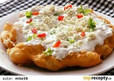 Smetanové langoše s nivou recept - TopRecepty.cz Slovak Recipes, Baked Potato, Quiche, Mashed Potatoes, Macaroni And Cheese, Pizza, Food And Drink, Cooking Recipes, Yummy Food