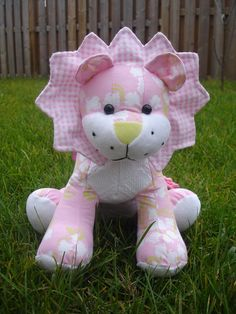 Larry Lion pattern - I'm going to make this for Jamie from his baby clothes
