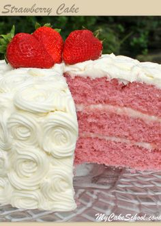 This homemade Strawberry Cake Recipe is the BEST! The BEST Strawberry Cake from scratch! This homemade layer cake is a favorite year-round! We love it with cream cheese frosting! (From My Cake School's collection of the best cake and frosting recipes)! Brownie Desserts, Oreo Dessert, Köstliche Desserts, Delicious Desserts, Dessert Recipes, Beste Desserts, Dessert Ideas, Strawberry Cake From Scratch, Homemade Strawberry Cake