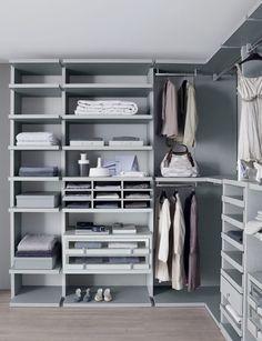 Linen walk-in-wardrobe par lamco design ltd moderne Smart Storage, Storage Room, Storage Spaces, Small Dressing Rooms, Wardrobe Drawers, Dressing Room Design, Walk In Wardrobe, Storage Solutions, Storage Ideas