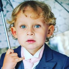 #wedding #happy #smiles #weddingphoto #cute #kids #bride #pageboy #umbrella #love #beautiful #groom #weddingphotographers #capture #inspired #creative #cuteaspie #married #instawedding #instawed #igers #instagram  Velvet Storm Photography  www.velvetstorm.co.uk