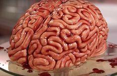 Pour Halloween, une youtubeuse pâtissière a décidé de réaliser un gâteau inspiré de la série <em>The Walking Dead</em>… en forme de cerveau ! Et c'est pas de la tarte.