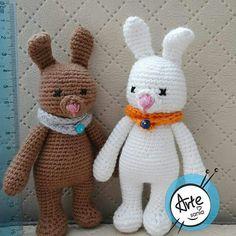 Crochet bunnies / szydełkowe króliczki.  Pattern/wzór AmigurumiToday