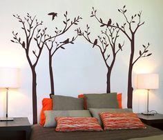 Dormitorio con vinilo de árboles