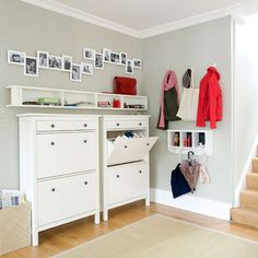 Perfect shoe storage for entry