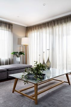 6 Inspiring Curtain Ideas For Your Living Room - Gardinen Sheer Curtains Bedroom, Lounge Curtains, White Sheer Curtains, Luxury Curtains, Curtains With Blinds, Bedroom Window Coverings, Living Room Window Treatments, Shear Curtains, Gypsy Curtains