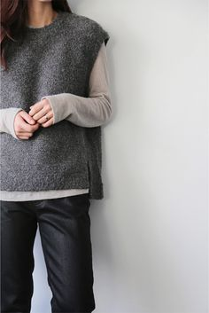 Death By Elocution : Photo - Diy Crafts - Qoster Minimal Dress, Minimal Chic, Knit Vest Pattern, How To Purl Knit, Edgy Outfits, Fashion Outfits, Knit Fashion, Mode Inspiration, Pulls
