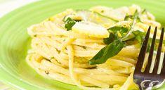 Le linguine al limone sono un primo piatto fresco e leggero, molto facile da preparare e adatto anche alla dieta e per tenersi leggeri