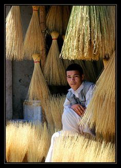 Brush seller--love the lighting and texture