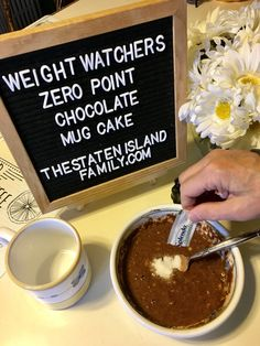 This Recipe for Weight Watchers Zero Point Chocolate Mug Cake Will Add a Pep to your Step The scoop on parenting, marriage, recipes, fashion, beauty & kid gear!This Recipe for Weight Watchers Zero Point Chocolate Mug Cake Will Add Weight Watcher Mug Cake, Dessert Weight Watchers, Weight Watchers Smart Points, Weight Watchers Meals, Weight Loss, Weight Watchers Recipes With Smartpoints, Weight Watchers Brownies, Weight Watchers Muffins, Gourmet