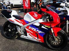Honda Bikes, Honda Motorcycles, Cars And Motorcycles, Honda Fireblade, Honda Vfr, Crotch Rockets, Garage Bike, Sportbikes, Mopeds