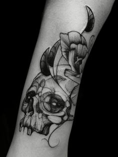 Skull Black worck Tattoo by @adrian.higuita