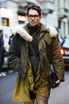 Coat with fur trimming, photo by Tommy Ton Dapper Gentleman, Gentleman Style, Glamorous Chic Life, Mens Fashion Blog, Style Fashion, Men Street, Street Snap, British Style, Winter Fashion