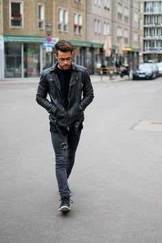 Get this look: http://lb.nu/look/8613007 More looks by Kevin Elezaj: http://lb.nu/kevinelezaj Items in this look: Timberland Sneakers, H&M Jeans, H&M Sweater, Tigha Jacket, Yun Glasses #dapper #edgy #street #ootd #outfit #outfitoftheday #look #lookoftheday #lookbook