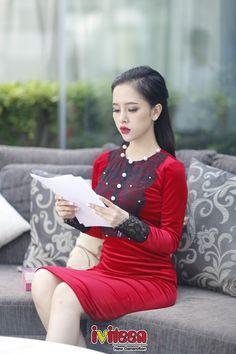 Gặp gỡ cô gái trẻ sở hữu thương hiệu mỹphẩm của riêng mình - http://www.iviteen.com/gap-go-co-gai-tre-so-huu-thuong-hieu-my-pham-cua-rieng-minh/ Với vẻ xinh xắn bên ngoài, vóc dáng nhỏ nhắn nhưng bên trong là một niềm đam mê vô cùng lớn với kinh doanh và sự yêu thích về ngành làm đẹp. Trang đã tự mình tìm tòi, học hỏi để có thể thực hiện niềm đam mê của mình là biến ước mơ x