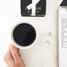 #Friday #morning essentials by Casunique team: #coffe, headphones 👌🏻☕️ and an #accessories wich you can find on casunique.com 🇷🇺 Предметы первой необходимости утра пятницы от команды Casunique: #кофе, наушники и стильные #аксессуары, которые вы можете приобрести на сайте casunique.com