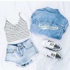 Idée et inspiration look d'été tendance 2017 Image Description Wicked 50+ Cute Summer Outfits Ideas For Teens www.fashiotopia.c… A wrap dress must be chosen with care because the incorrect print and design can merely mess up your look. Though nearly all of these dresses are...