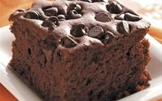 Crock Pot Chocolate Chip Peanut Butter Cake