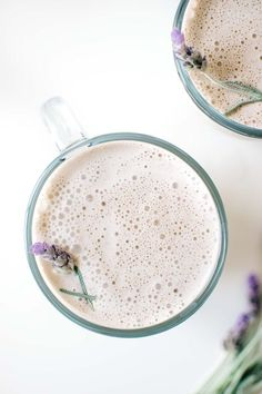 36 Aromatic Lavender Dessert and Drink Recipes For Your Next Brunch - Sincerely Kale Yummy Drinks, Healthy Drinks, Yummy Food, Lavender Recipes, Edible Lavender, Lavender Buds, Edible Flowers, Vegan Recipes, Cooking Recipes