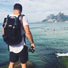 Nossa #MochilaOregon  Raul Aragão  Rio de Janeiro  Nossa nova versão All Black e nossa versão Cinza e Caramel (best seller) estão disponíveis lá no site: www.bit.do/escudero