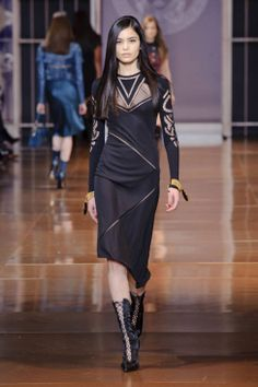 Versace Fall 2014 Ready-to-Wear Runway - Versace Ready-to-Wear Collection