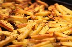 How to Make Oven Fries. French fries are a popular side dish that goes great with burgers and steak. Most french fries are fried in a deep fryer, but did you know that you can bake them in the oven as well? Baked french fries are typically. Oven French Fries, Best French Fries, Making French Fries, French Fries Recipe, Fries In The Oven, Comfort Foods, Fried Potatoes Recipe, Oven Baked Fries, Gastronomia