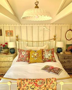 Pretty Bedroom, Neat And Tidy, Cozy Cottage, Spare Room, Farmhouse Bedrooms, Farmhouse Kitchens, Farm House, Furniture, Sunday