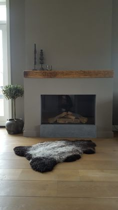 Great Free of Charge painted Fireplace Hearth Style Excellent Photos cement Fireplace Hearth Strategies New Free of Charge cement Fireplace Hearth Ide Paint Fireplace, Concrete Fireplace, Fireplace Hearth, Home Fireplace, Modern Fireplace, Living Room With Fireplace, Fireplace Design, Living Room Decor, Fireplaces