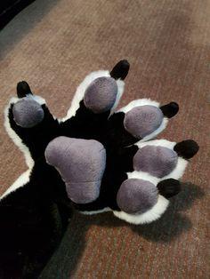 Fursuit Paws, Fursuit Head, Fursuit Tutorial, Wolf Costume, Anime Furry, Cosplay Diy, Zootopia, Cute Creatures, Furry Art