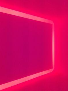 En la búsqueda de instalaciones de James Turrell, nos encontramos con que en México existen tres que se encuentran dentro de su catalogo de obras mundiales.  http://www.podiomx.com/2014/05/siempre-en-busqueda-de-un-turrell.html