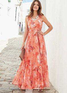 Opt for an elegant silhouette with our pleated printed maxi dress. This stunning floor length dress features a georgette bodice complete with back tie and Floor Length Dresses, Vacation Dresses, Polyester Satin, Occasion Wear, Floral Maxi Dress, Spring Dresses, Mother Of The Bride, Bridesmaid Dresses, Elegant