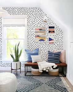 """""""The polka dot wallpaper in the home of from North Carolina just makes us feel so happy! Bathroom Wallpaper Trends, Polka Dot Walls, Polka Dot Bedroom, Polka Dot Bedding, Polka Dots, Trendy Bedroom, Home Decor Trends, Unique Home Decor, New Room"""
