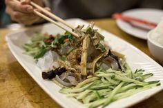 Fu Ran Tahini noodles Ny Food, Hot And Sour Soup, Food Places, Tahini, Japchae, Green Beans, Spaghetti, Beef, Running