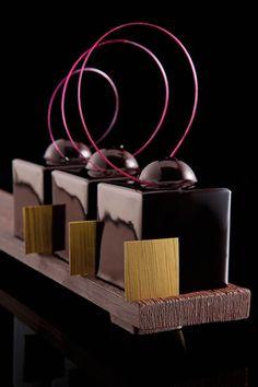 Philippe Bertrand et Martin Diez dessert chocolate Chocolate Dreams, I Love Chocolate, Chocolate Heaven, Chocolate Art, Chocolate Lovers, Chocolate Desserts, Luxury Chocolate, Flourless Chocolate, Decadent Chocolate